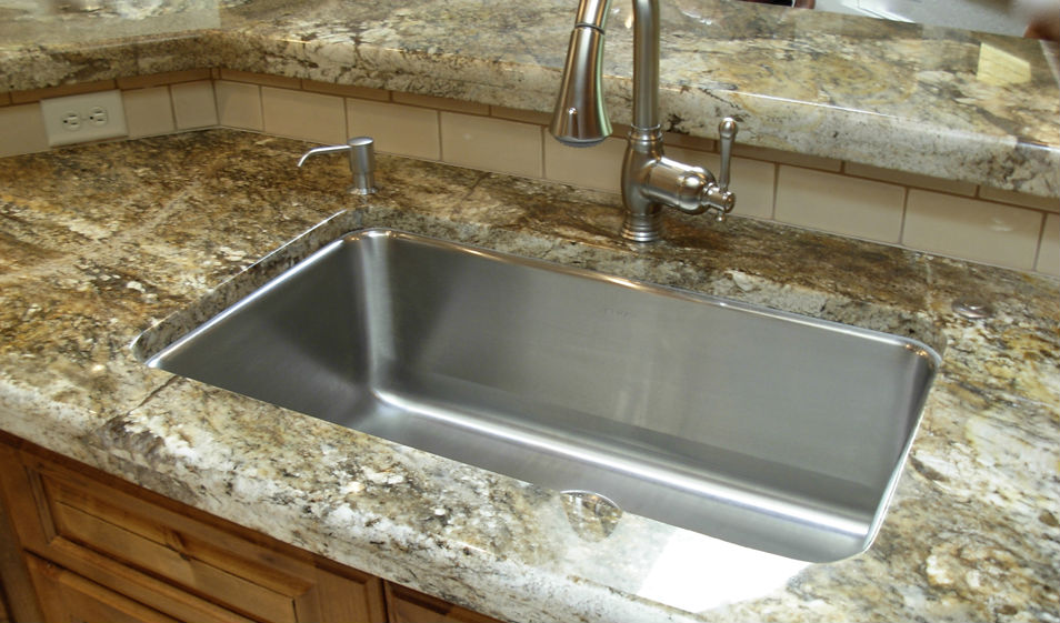 SINGLE BOWL SINK WITH 6 CM LAMINATION
