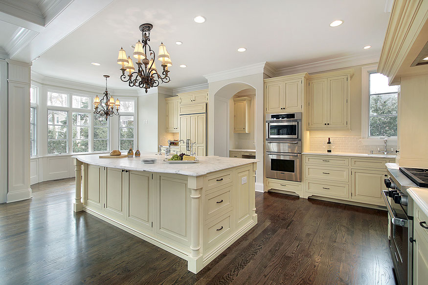 BEAUTIFUL KITCHEN WITH OGEE EDGE