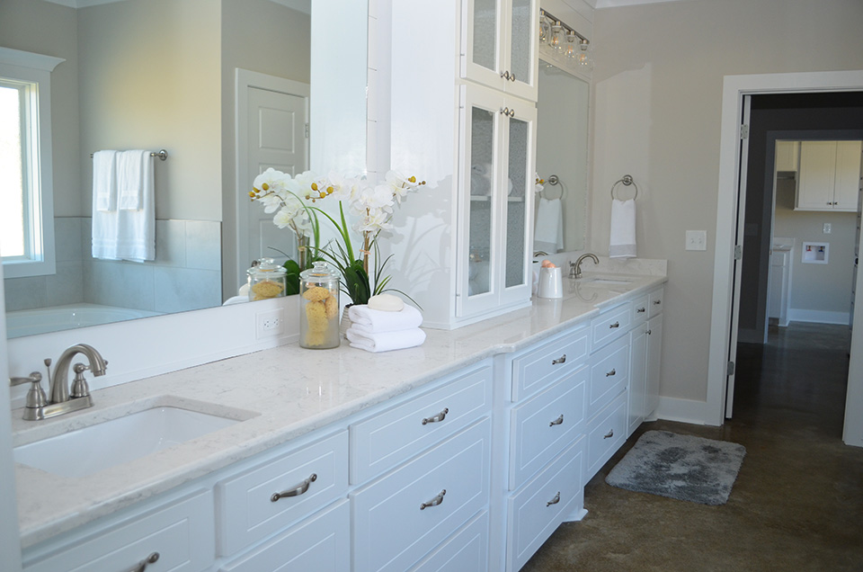 beautiful quartz master bath counter