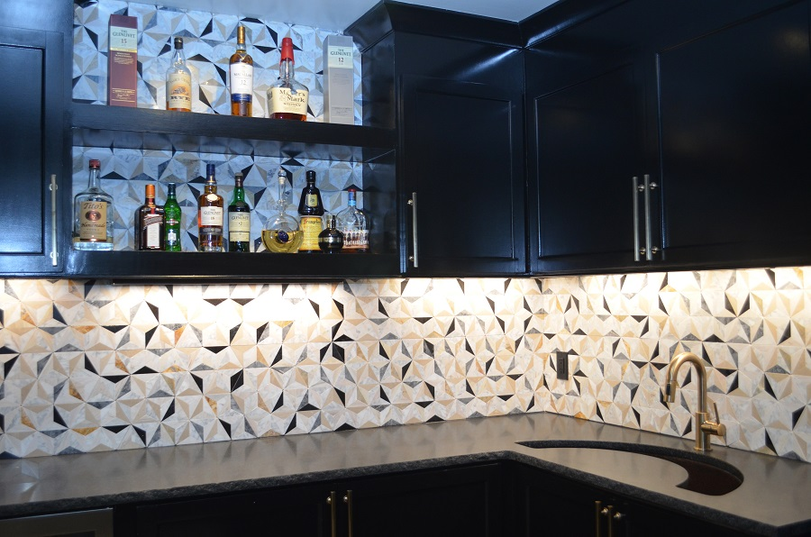 Beautiful geo backsplash in wet bar